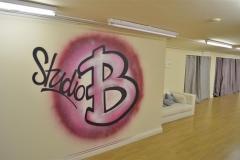 studio4 (Medium)